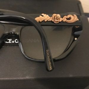 095e5448a4e Dolce   Gabbana Accessories - Dolce Gabbana black sunglasses with gold roses